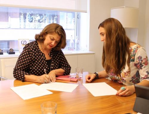 Firma acuerdo de colaboración Fundación Llorente&Cuenca