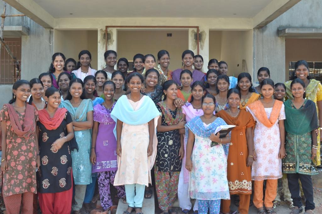 Educación para mujeres en los poblados