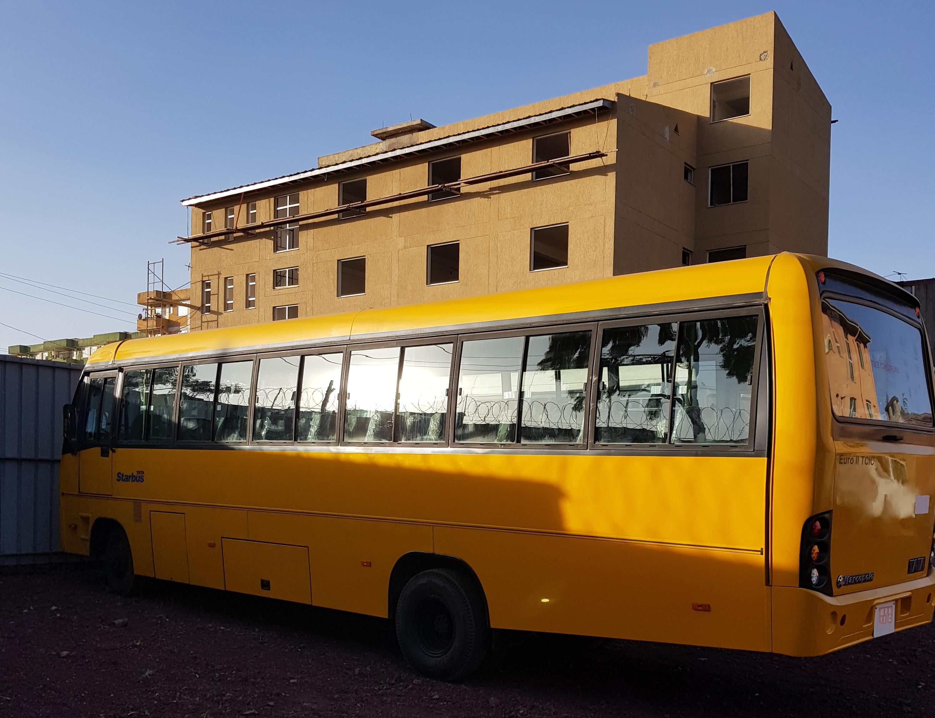 El autobús que transporta en Etiopía a mujeres y niños que reciben asistencia